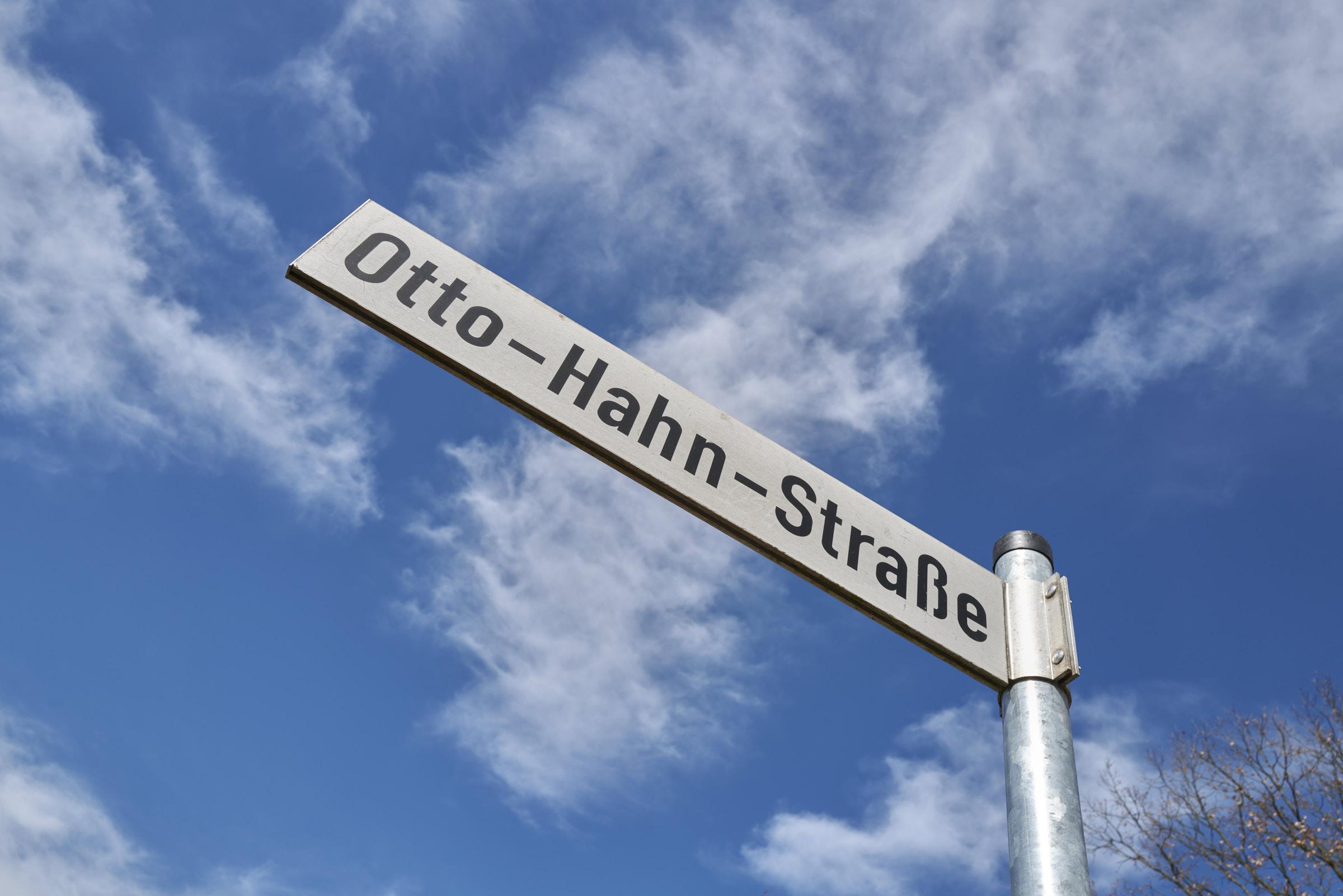 Otto-Hahn-Str_2